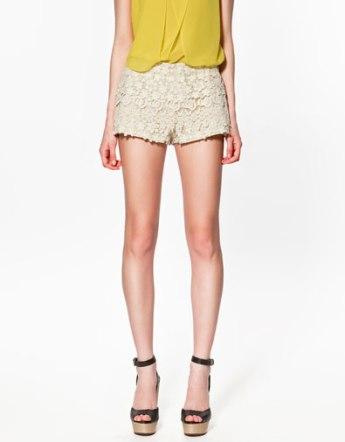 short-zara-crochet-beige
