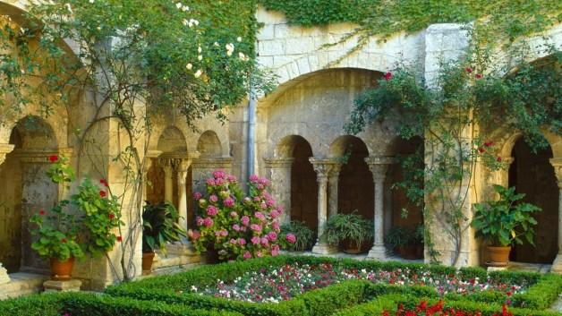 Kur un kā par Dievu vēsta dārzi?
