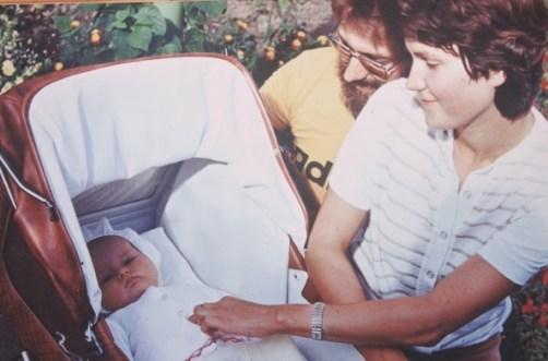 Ar vecākiem. Foto no personīgā arhīva