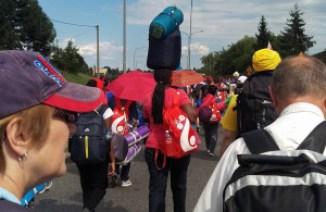 Dažiem ērtāk somas nest uz muguras