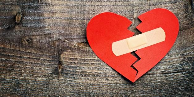 Būt draudzē bez glābšanas riņķa. Anonīms stāsts par pārdzīvoto pēc laulības šķiršanas (+ APTAUJA)