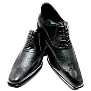The Black Manhattan Shoe is a lace up style for comfort and stability