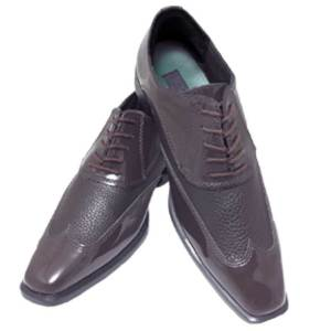 The Brown Manhattan Shoe is a lace up style for comfort and stability