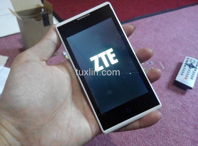 Review ZTE Blade G V815W