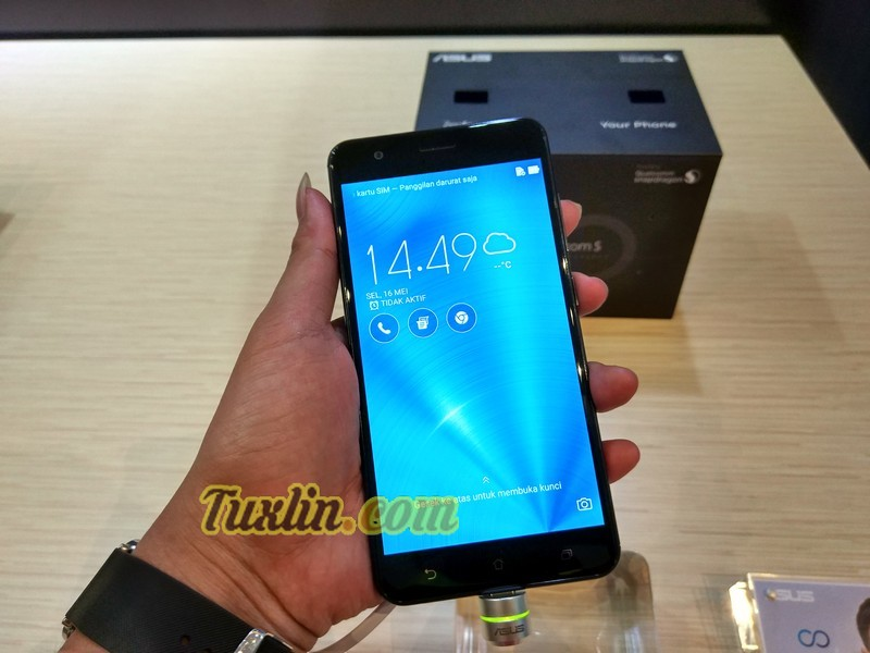 Hands On Asus Zenfone Zoom S ZE553KL