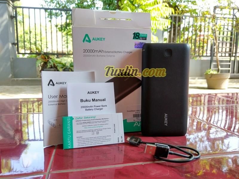Paket PenjualanAukey PB-N15 20.000mAh