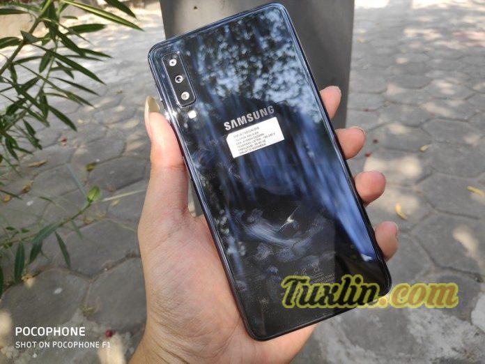 Review KameraSamsung Galaxy A7 2018