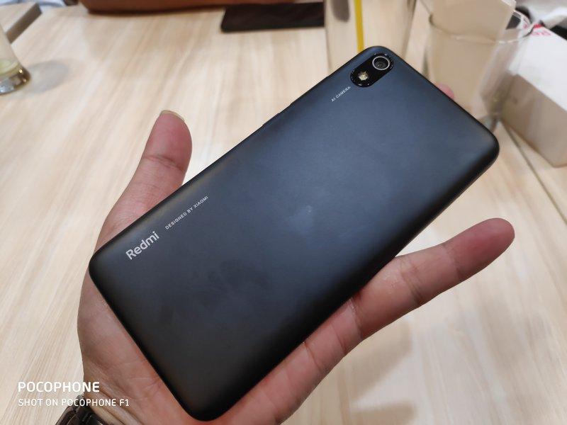 Hands On Xiaomi Redmi 7A, Nyaman Digenggam 6