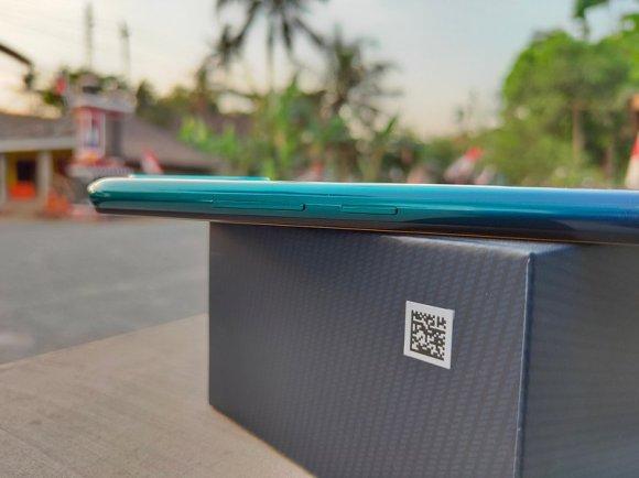 Review Vivo Z1 Pro: Desain Layar Bolong yang Powerful 9