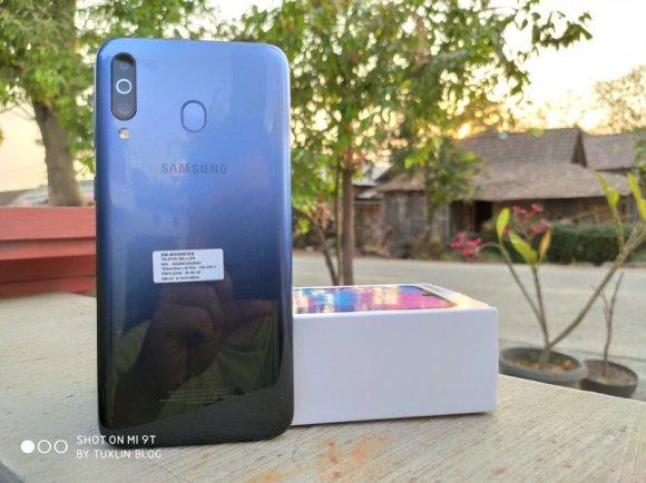 Review Samsung Galaxy M30: Baterai Besar, Kinerja Standar 2