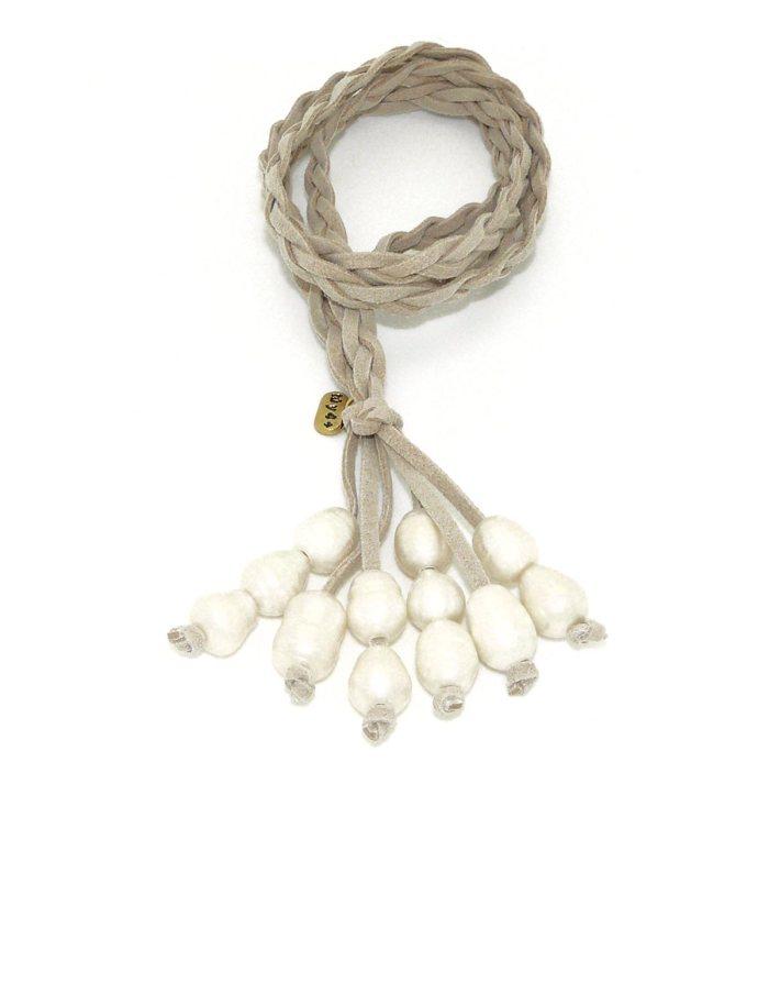 Collar racimo perlas beige