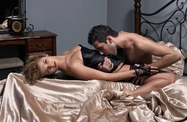 Gay sex videi na otvorenom