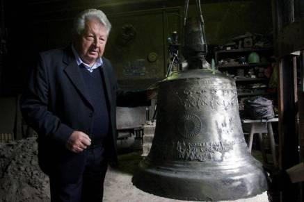 zvono-za-dolazak-pape-franje-uskoro-spremno-za-put-u-sarajevo-2015-maj001
