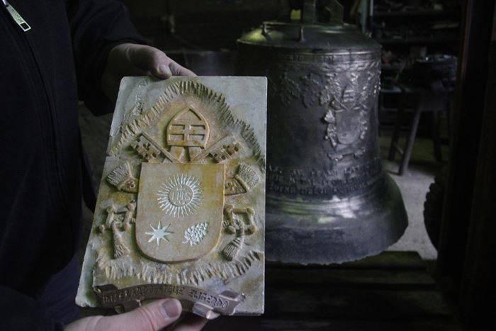 zvono-za-dolazak-pape-franje-uskoro-spremno-za-put-u-sarajevo-2015-maj009