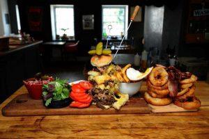 najveci-hamburger-600-kalorija-velika-britanija2