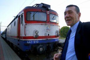 ismet-repuh-vise-od-tri-decenije-za-upravljacem-lokomotive-masinovoda-je-posao-koji-se-zivi-24-sata2_2015_10_09