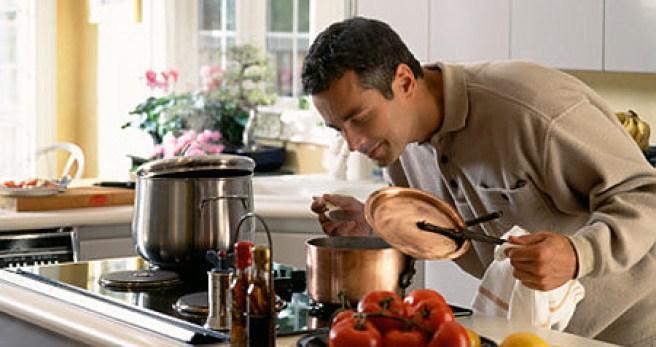 Ilustracija-muškarac-u-kuhinji1