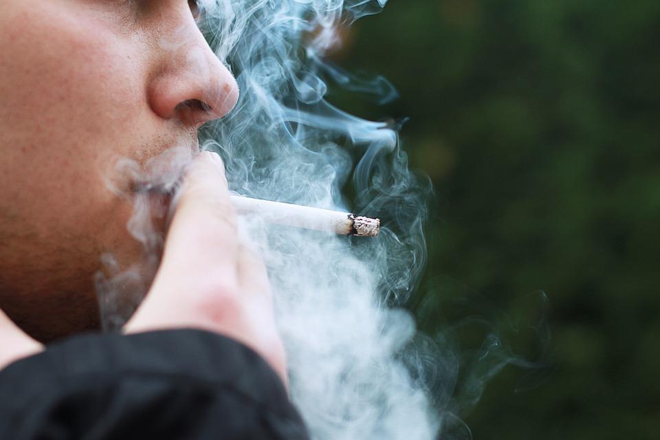 dobiti pušenje sada vruće teen prvi porno