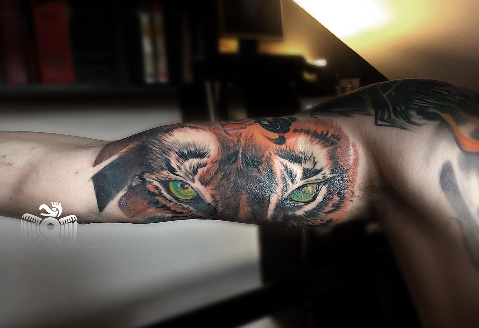 stranica za upoznavanje umjetnika tetovaža