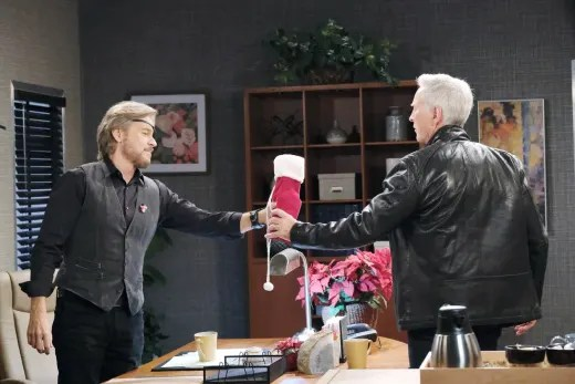 Steve and John Team Up - Days of Our Lives
