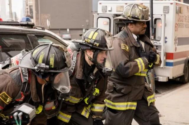 """casey plus boden chicago fire s8e14 - Chicago Fire (S08E14) """"Shut It Down"""""""