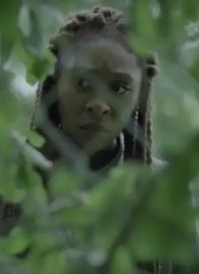Through the Bushes - The Outsider Season 1 Episode 5