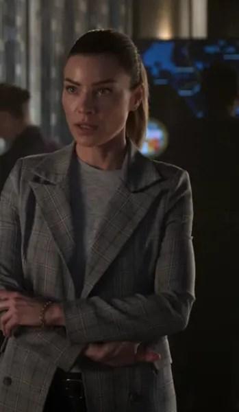 Chloe Turns Lucifer Away Season 5 Episode 3