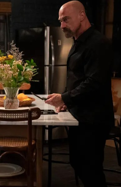 Dealing With Stabler's Mother - Law & Order: Organized Crime Season 2 Episode 5