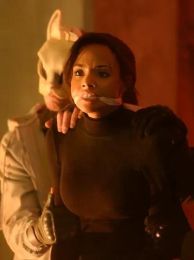 Sophie in a Bind - Batwoman Season 1 Episode 1