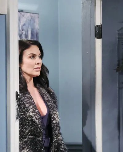 Chloe Returns/Tall - Days of Our Lives