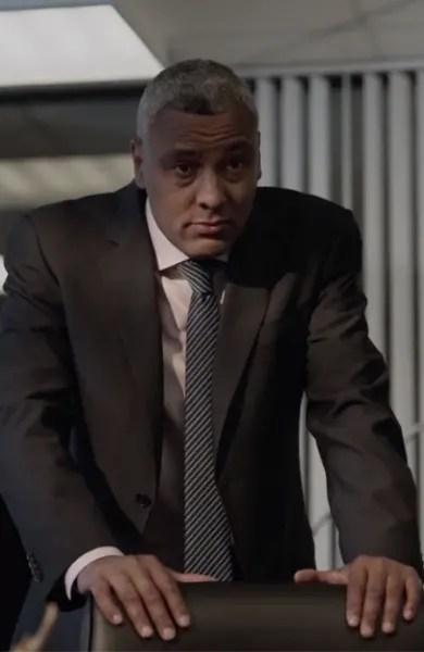 Crowne's Disbelief - Absentia Season 3 Episode 5
