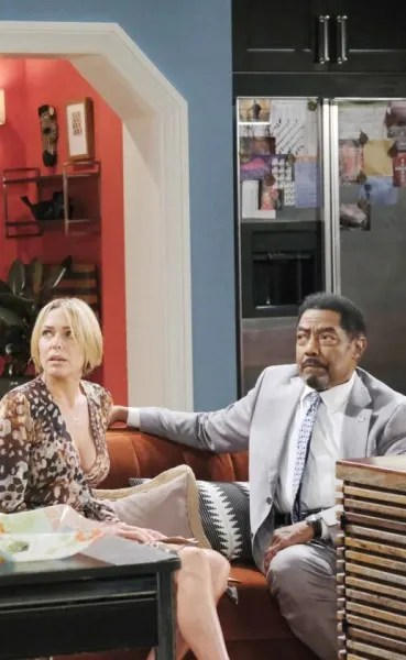 Eric Confronts Abe - Days of Our Lives