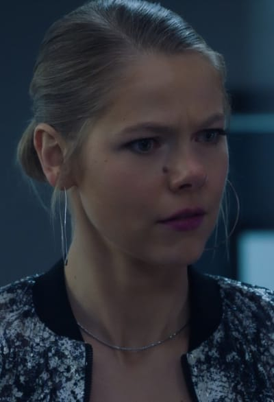 Concerned Isobel - Roswell, New Mexico Season 3 Episode 6