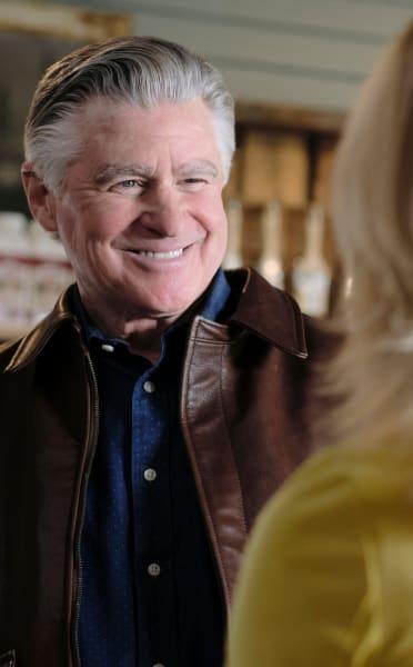 Mick Grins at Megan - Chesapeake Shores Season 5 Episode 3