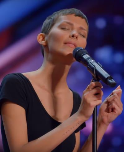 Nightbirde Sings