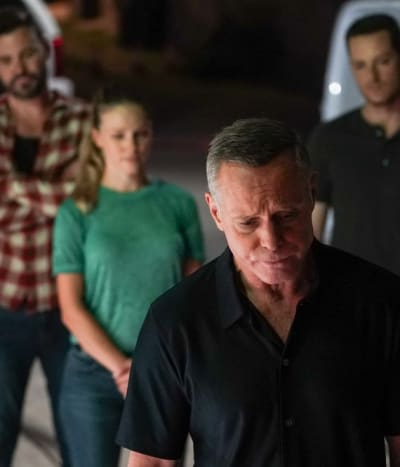 Loss of an Informant - tall - Chicago PD Season 9 Episode 2