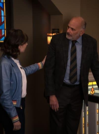 Kurt Gets a Fright - EVIL Season 2 Episode 12