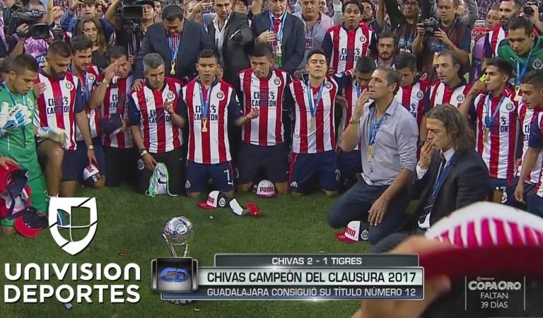 Campeón del Futbol Mexicano agradece el campeonato orando