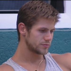 Jonas diz que ele ou Daniel saberão o que aconteceu para Daniel ser eliminado do programa (14/2/12)