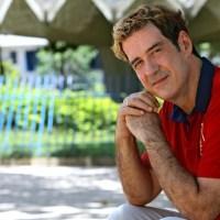 Depois de passagem pela Record, ator João Camargo assina com a Globo