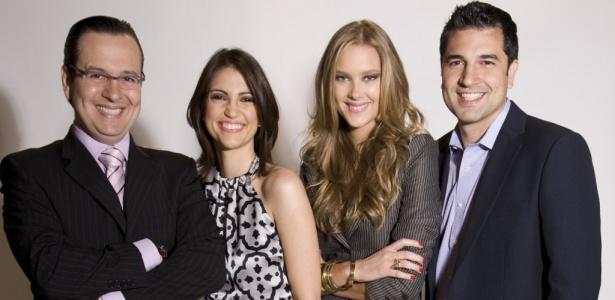 Da esquerda para a direita, os apresentadores Celso Zucatelli, Chris Flores, Gianne Albertoni e Edu Guedes