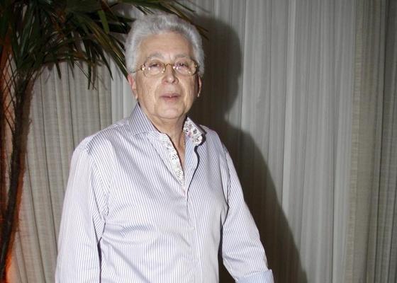 https://i1.wp.com/tv.i.uol.com.br/televisao/2011/01/10/aguinaldo-silva-lanca-site-em-hotel-da-zona-oeste-carioca-8112010-1294669269463_560x400.jpg