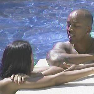 Lucival e Ariadna conversam na piscina (14/1/11)