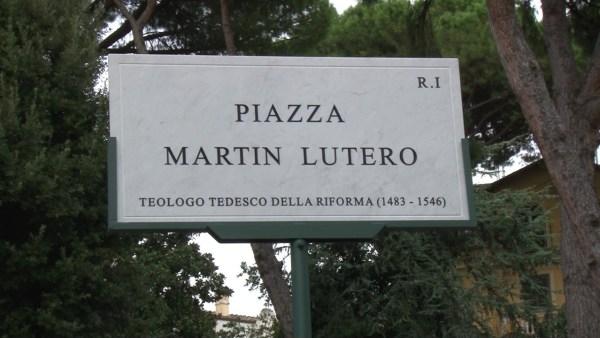 piata-martin-luther-placa