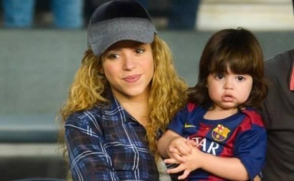 Шакира с маленьким сыном пришли на матч Жерара Пике - tv.ua