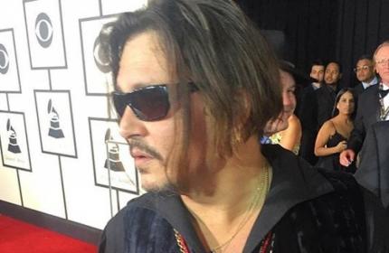 Джонни Депп неприятно удивил на церемонии Грэмми 2016 - ФОТО