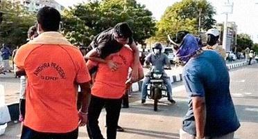 Photo of AP లో విష వాయువు లీక్, భారీగా మరణాలు, Poisonous gas leak in Andhra Pradesh