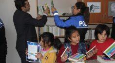 Aktaş'tan köy okuluna kitap desteği