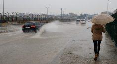Yağışlar yine trafiği etkiledi