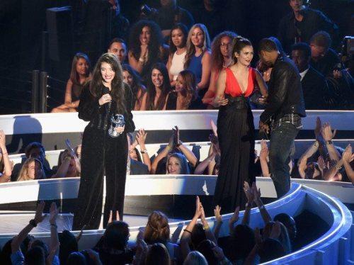 Nina MTV Video Music Awards 27
